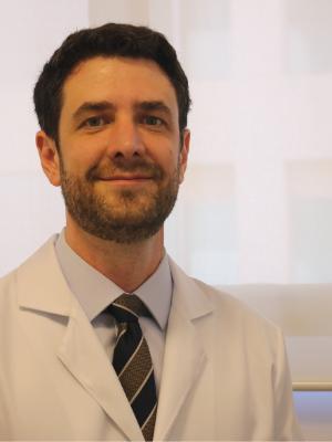Dr. Edward Carrilho